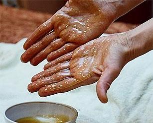 Медовый антицеллюлитный массаж: что нужно знать для его проведения