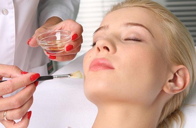 Методы очищения кожи лица в домашних условиях и в косметологических клиниках