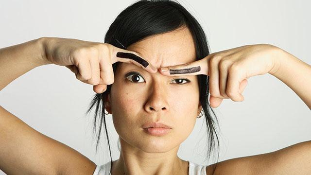 как убрать морщины вокруг глаз и на лбу