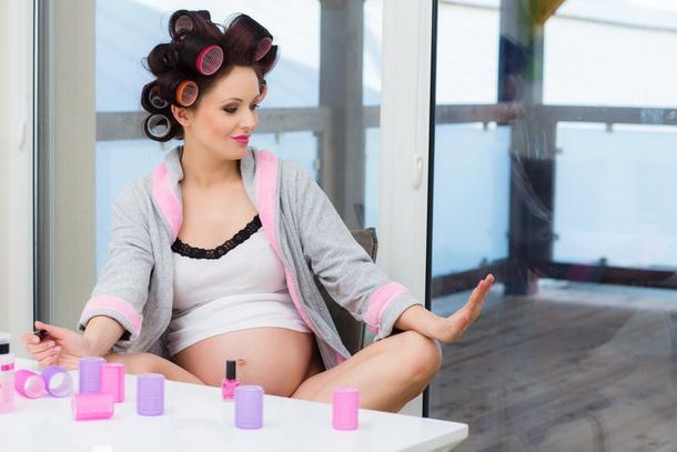 Косметологические процедуры во время беременности: что можно, а что нет?