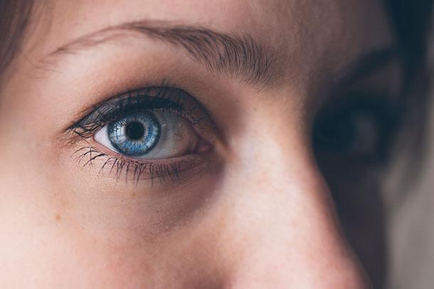 Пилинг для глаз (век) в домашних условиях