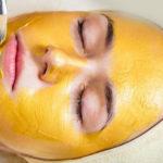 Желтый пилинг —  ухаживающая процедура за лицом